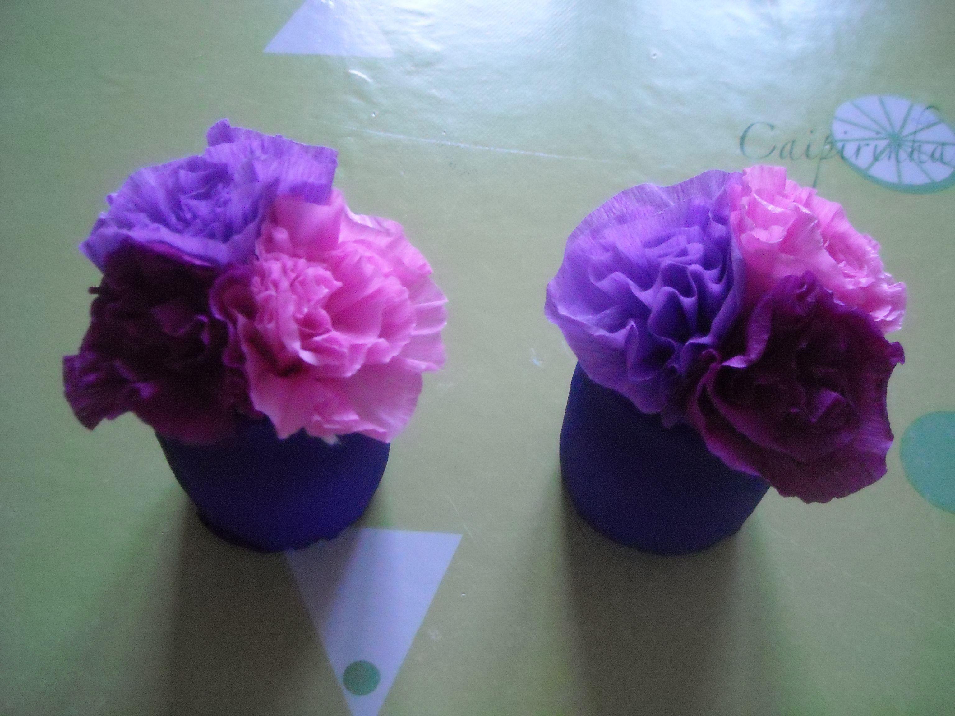 Petit pot de fleurs en papier crepon - Fleur en crepon ...