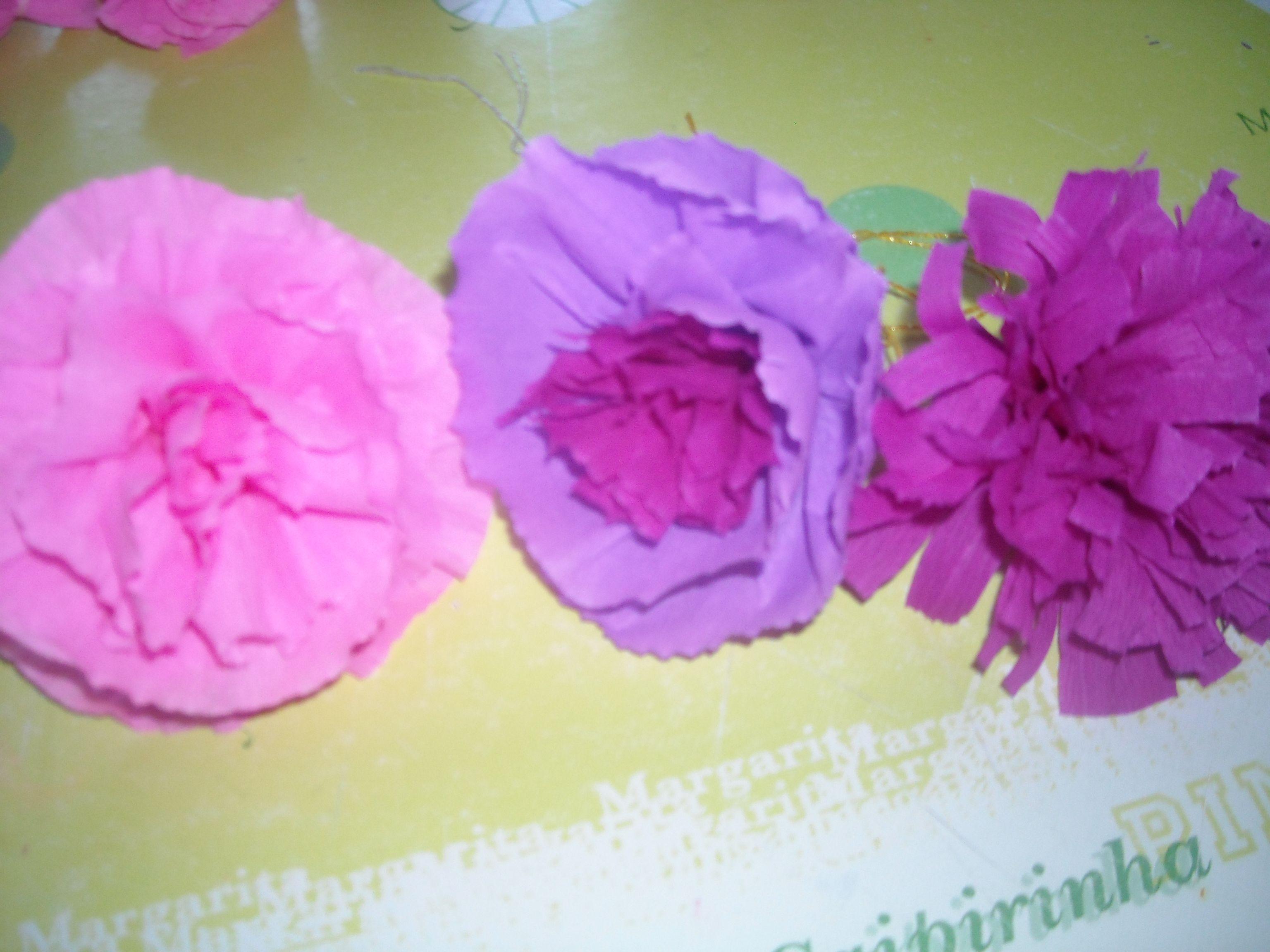 Grosses fleurs en papier crepon - Boule de fleur en papier crepon ...